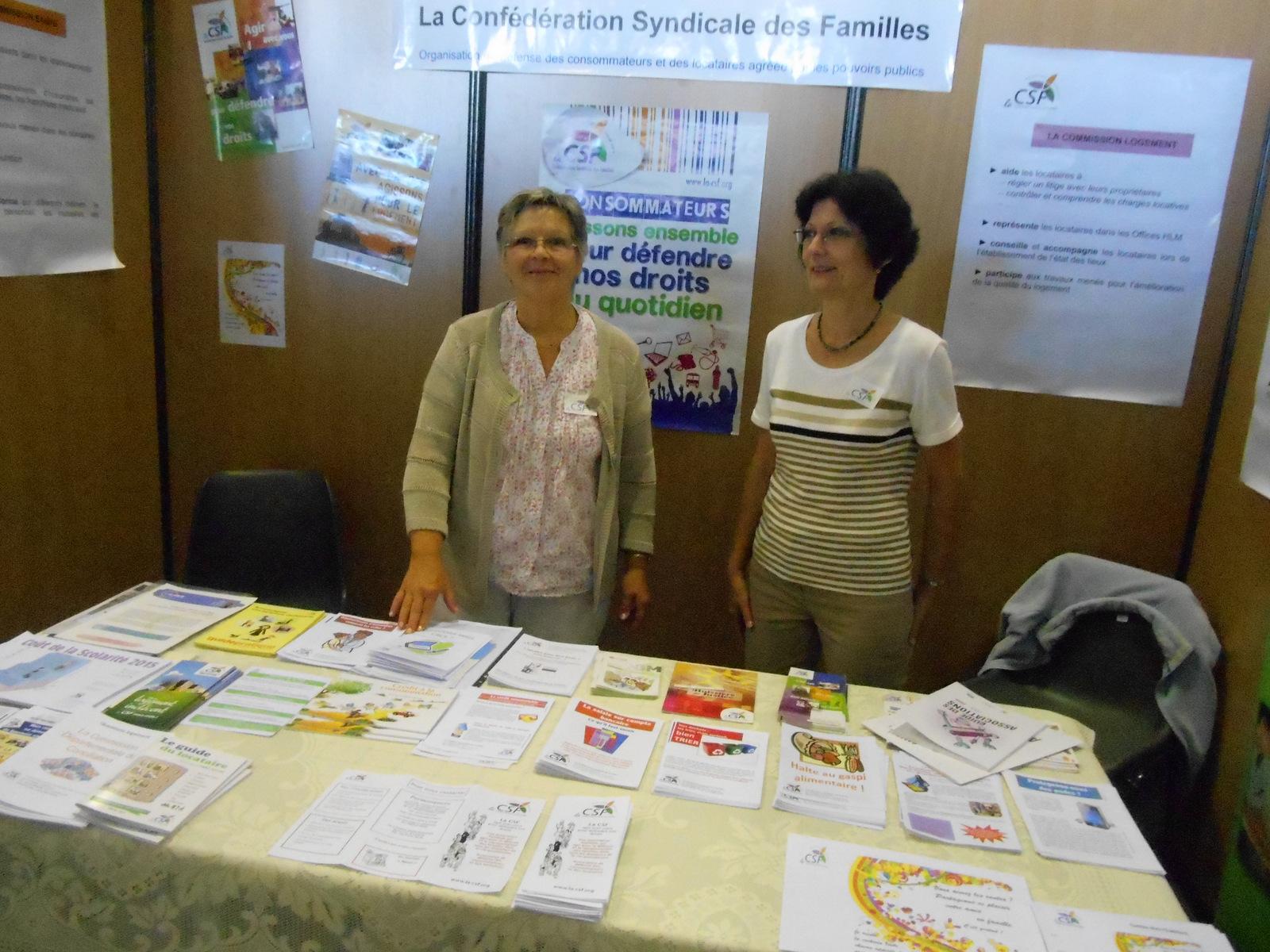 Une partie des bénévolesau Forum des associations de Vannes